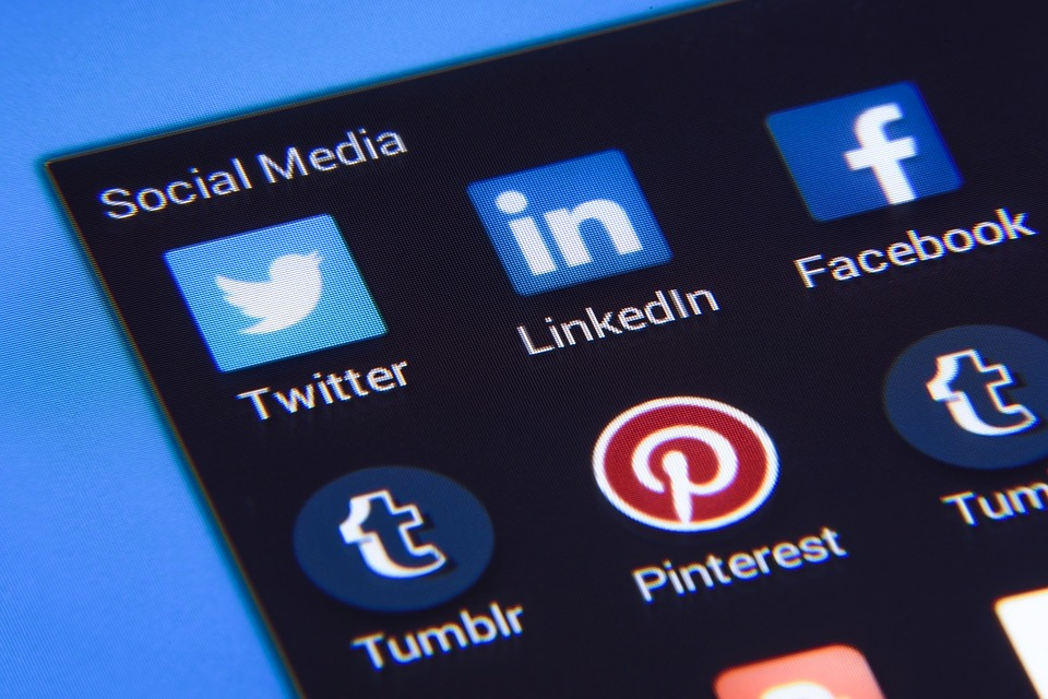 Exploring LinkedIn: A professional's guide to using the social network
